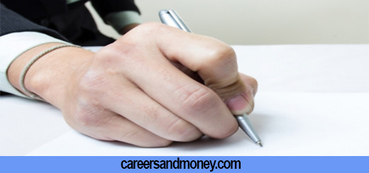 Reasons Why You should get a Professional Resume Writer